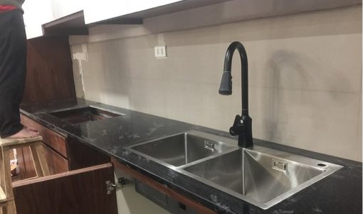 Đá Granite Đen Cá dùng ốp bếp