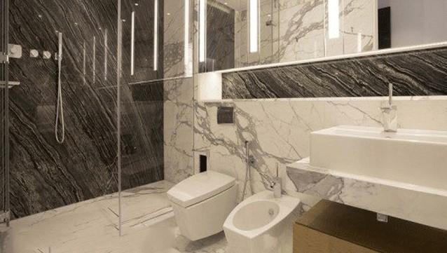 Đá Granite Đen Vân Mây dùng ốp phòng tắm