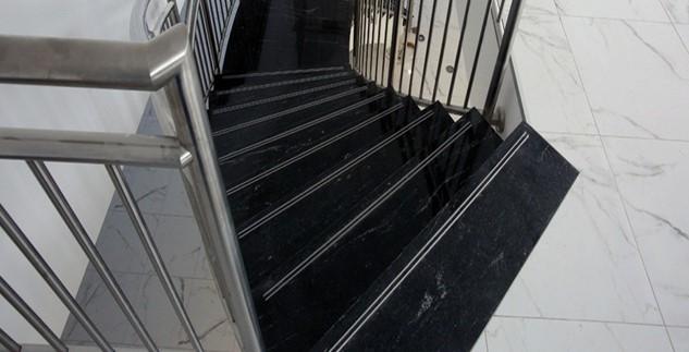 Ứng dụng làm cầu thang