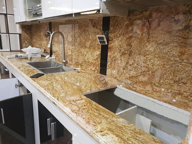 Granite Imperial Gold dùng ốp bàn bếp