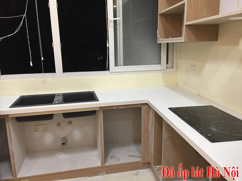 Đá Quartz phú sơn bq500 ốp bếp