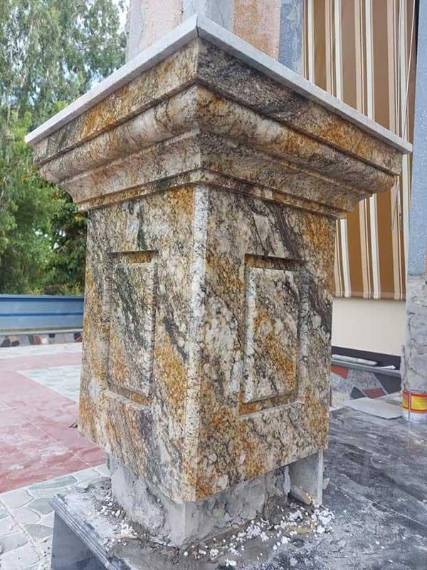 Đế cột đá hoa cương vàng hoàng gia