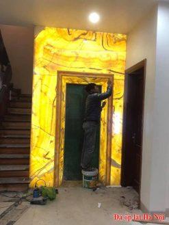 Đá onyx ốp thang máy đẹp