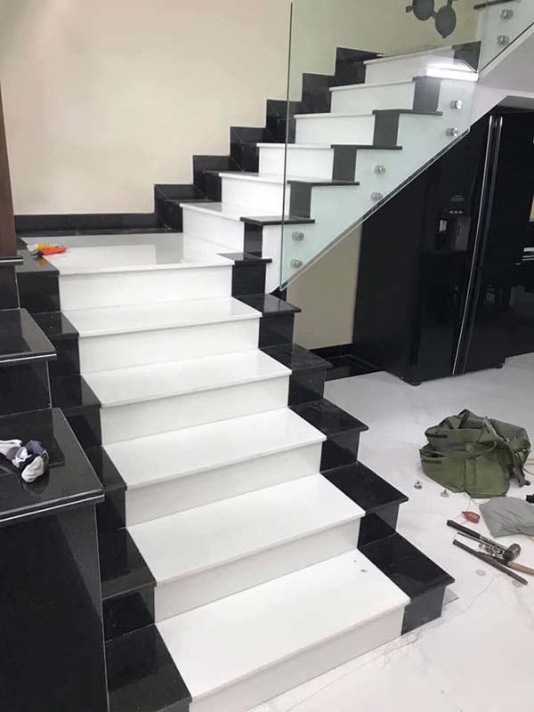 Cầu thang đá trắng muối yên bái